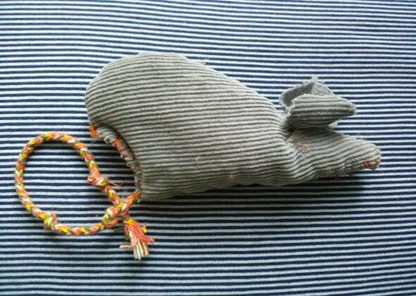 Make it yourself cat and dog toys blankets and more diy catnip mouse solutioingenieria Gallery